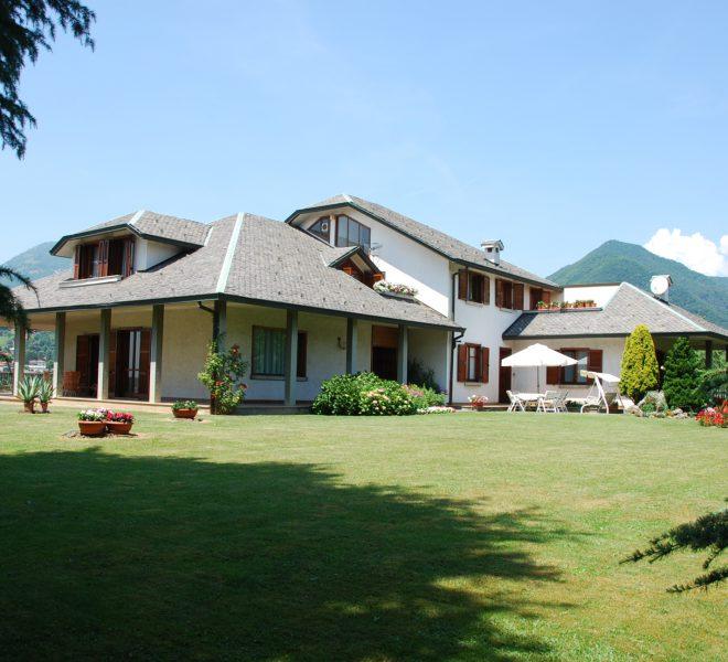 villa d'almè vendita parco privato giardino
