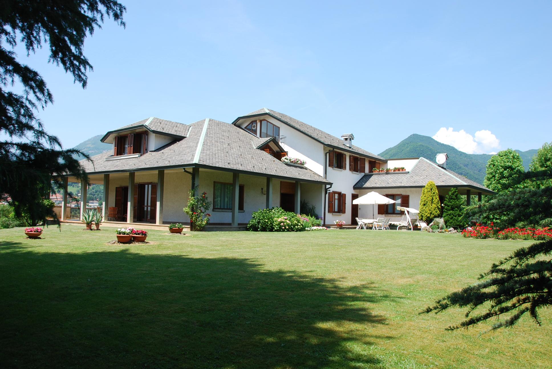 Villa D'Almè – Villa singola con parco