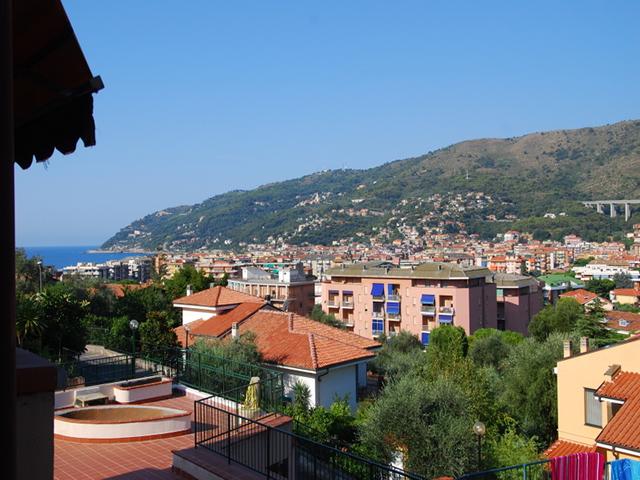 vista andora bilocale monolocale vendita savona liguria mare estate