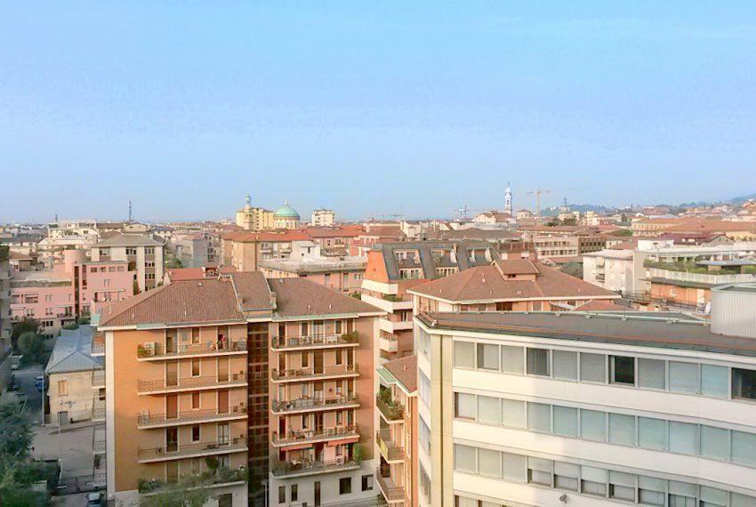 vista panorama bergamo città alta trilocale affitto ascensore posto auto balcone