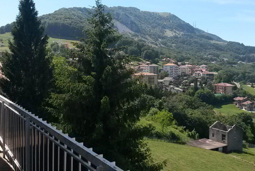 esterno roncola san bernardo trilocale vendita vacanze vista terrazzo