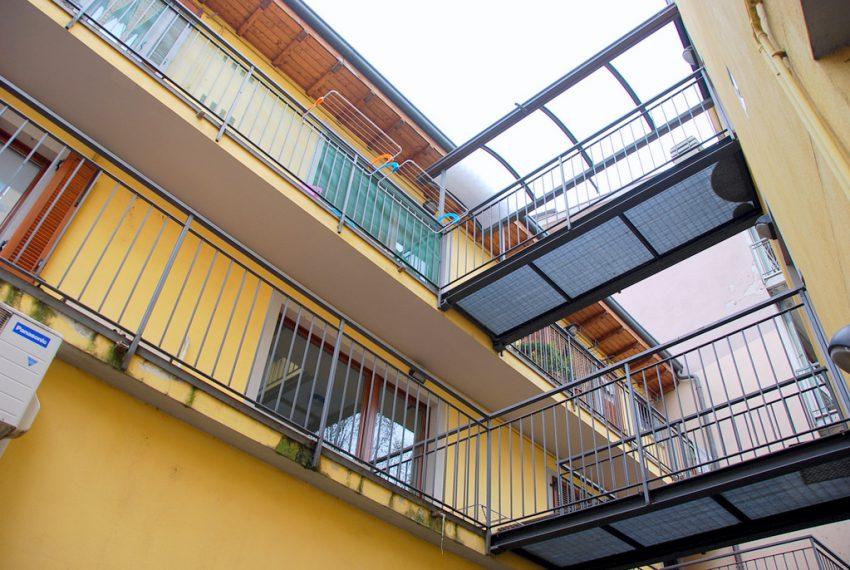 esterno ufficio a reddito presezzo open space