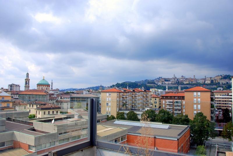 vista attico pentalocale città alta bergamo vendita
