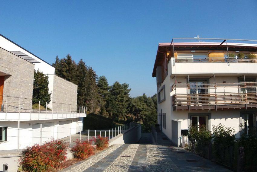 mozzo curno vendita trilocale terrazzo giardino arredo design collinare borghetto immobile