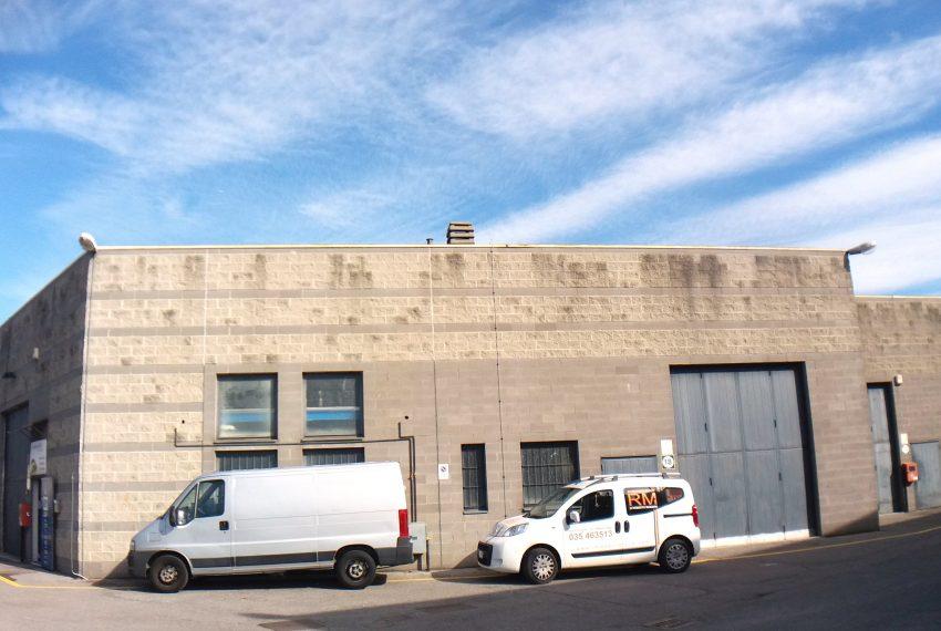 mozzo curno vendita capannone commerciale artigianale industriale ampia metratura soppalco entrata carrale altezza 6 metri
