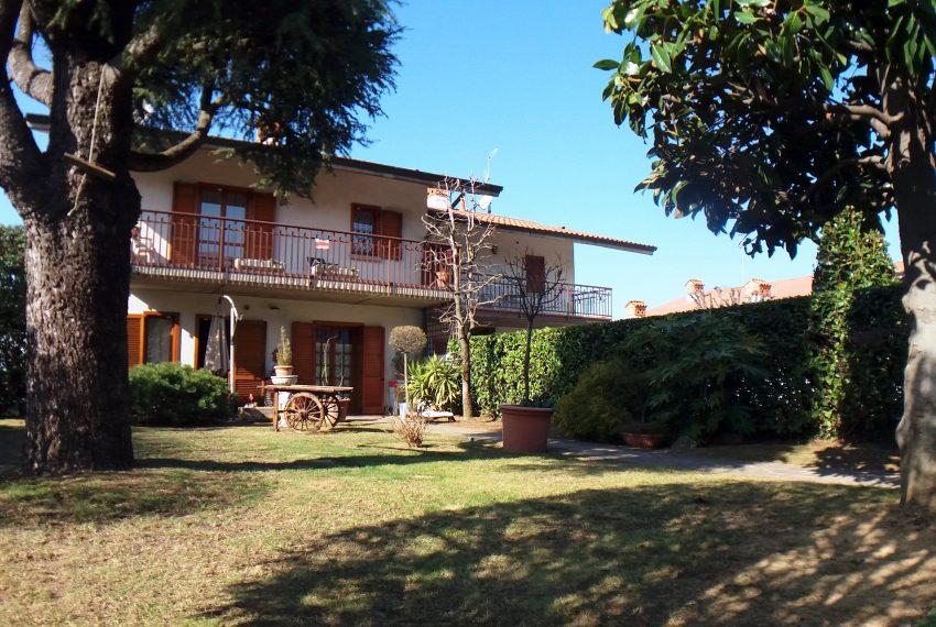 paladina valbrembo brembo fiume vendita immobile casa villa bifamigliare due unità ascensore box giardino bergamo