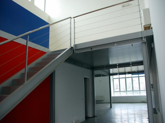 ufficio vendita affitto brembate sopra soppalco contesto industriale ristrutturato ottime condizioni impianto allarme climatizzazione riscaldamento autonomo bergamo