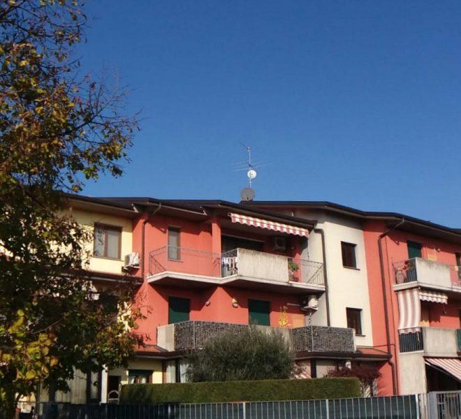 Dalmine bilocale ascensore ampio luminoso con terrazzo primo piano con box Bergamo