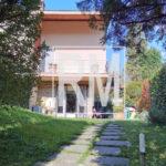 Bergamo Loreto trilocale in villa due bagni giardino esclusivo cantina lavanderia